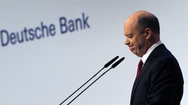 Le patron de la Deutsche Bank, John Cryan, a écrit une lettre a ses salariés, pour tenter de rassurer sur l'état de santé de sa banque. Convaincra-t-il les marchés?