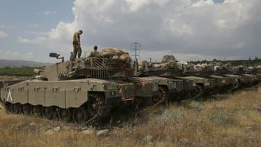 Des tanks israéliens positionnés près de la frontière syrienne, le 9 mai 2018.
