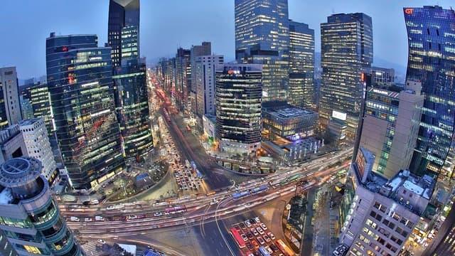 A l'image de Séoul, environ dix millions d'habitants intra-muros et 25,6 millions dans son aire urbaine, les villes de demain devront relever le défi de la concentration.