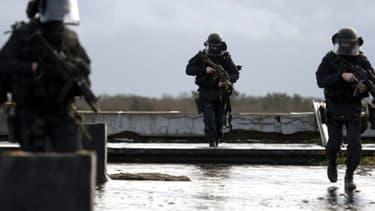 Le GIGN s'entraîne sur la base de Mondesir, à l'Ouest de Paris, en janvier 2011. (Photo d'illustration)