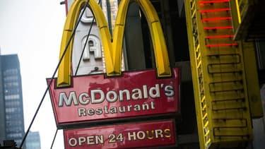 Associations de consommateurs et syndicats européens et américains ont déposé cette semaine une plainte contre McDonald's, lui reprochant de fixer des loyers excessifs à ses franchisés.