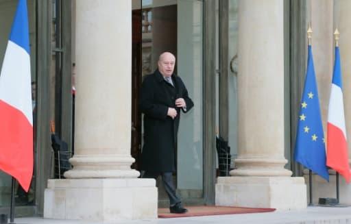 Jean-Michel Baylet quitte l'Elysée, le 22 janvier 2016 à Paris
