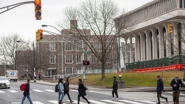 L'université de Princeton dans le New Jersey avec à gauche l'école Woodrow Wilson qui va être renommée