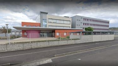 Un collège de Pont-du-Château (Puy-de-Dôme) a été fermé le 19 janvier 2021 après la détection de cas de Covid-19.