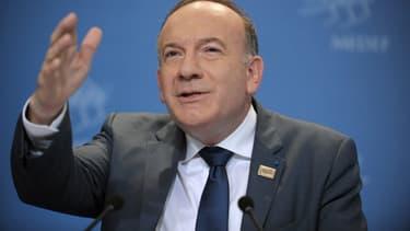 Le président du Medef défend son pacte.