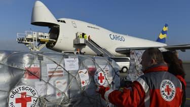Un avion de la Croix-Rouge allemande quitte Berlin mercredi pour les Philippines. Les ONG ont du mal à accéder aux zones sinistrées aux Philippines.