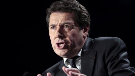 Christian Estrosi est au coeur d'une polémique, après deux nuits passées à Paris, facturées plus de 1.000 euros.