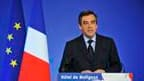 """Le Premier ministre François Fillon a assumé sa """"part de responsabilité"""" dans la défaite de la droite aux élections régionales mais déclaré que le cap fixé par les élections nationales serait maintenu. /Photo prise le 21 mars 2010/REUTERS/Philippe Wojazer"""
