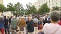 Environ 100 manifestants pro-vaccin étaient rassemblées ce lundi à Lyon.