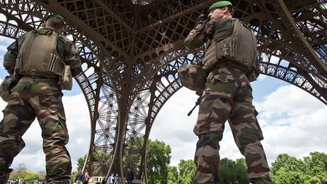 Des soldats de l'opération Sentinelle à Paris le 20 mai 2017