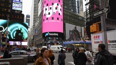 Le logo de Lyft sur Times Square à New-York