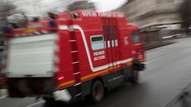 Camion de pompiers. (illustration)