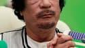 """Le numéro un libyen, le colonel Mouammar Kadhafi, va prononcer sous peu un discours dans lequel il annoncera d'""""importantes réformes"""", a rapporté mardi après-midi la chaîne Al Arabia, en citant la télévision d'Etat libyenne. /Photo prise le 29 novembre 20"""