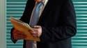 """Classé en tête des présidentiables socialistes en France, Dominique Strauss-Kahn a déclaré jeudi vouloir se consacrer uniquement à son """"travail d'aujourd'hui"""" à la tête du Fonds monétaire international (FMI). /Photo prise le 28 avril 2010/REUTERS/Thomas P"""