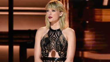 Taylor Swift aux CMA Awards à Nashville en 2016