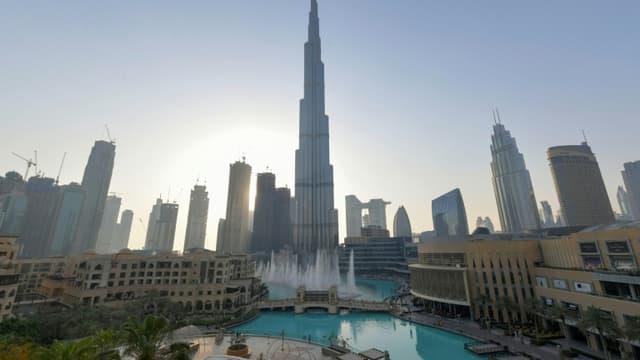 La plus grande tour du monde Burj Khalifa, à Dubaï, le 5 juin 2020