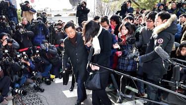 Cho Hyun-Ah, 40 ans, était poursuivie pour avoir contrevenu aux règles de sécurité aérienne, obstruction au cours de la justice et agression d'un membre d'équipage.