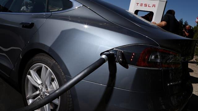 Tesla rappelle 53.000 véhicules