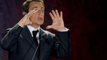 """Nicolas Sarkozy a attaqué son successeur à l'Elysée, François Hollande, dans un entretien au """"Figaro"""" daté de ce jeudi."""
