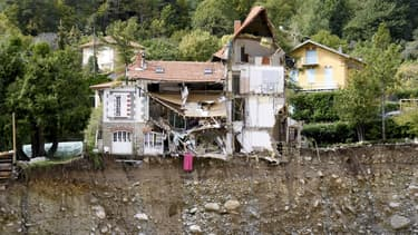 Une maison détruite à Saint-Martin-Vésubie après le passage de la tempête Alex