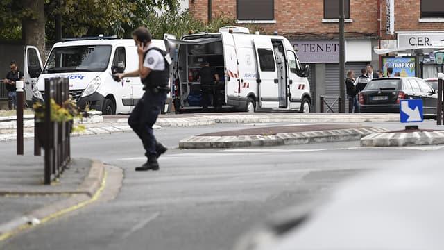 Intervention policière à Villejuif le 6 septembre 2017, après la découverte d'explosifs dans un appartement.