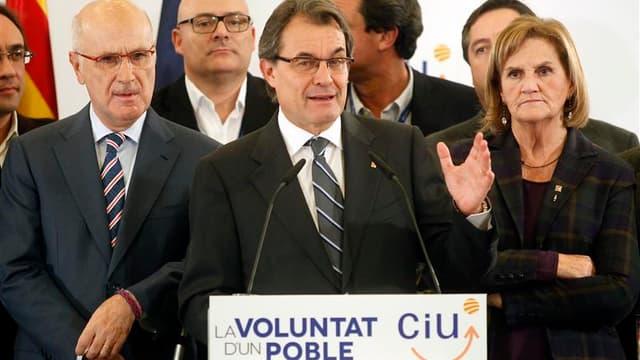 Conférence de presse à Barcelone du président catalan Artur Mas de la coalition Convergence et union (CiU, centre droit), à l'issue des élections régionales anticipées de dimanche en Catalogne. Les quatre partis indépendantistes ont remporté la majorité a