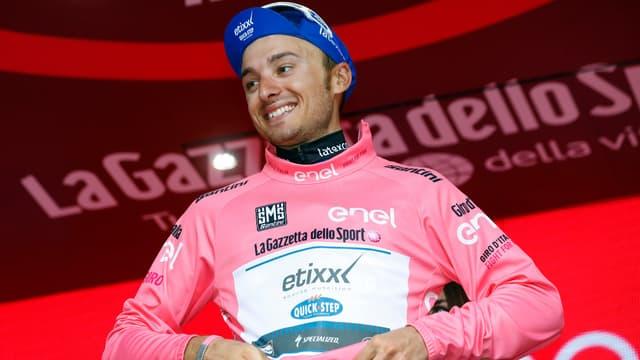 Coup double pour Gianluca Brambilla (Etixx QuickStep), vainqueur de la 8e étape et nouveau maillot rose du Tour d'Italie.