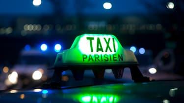 """Depuis 2012, le chiffre d'affaires des taxis a chuté de """"30 à 40%"""", selon Christian Delomel, président de la chambre syndicale des artisans taxis."""