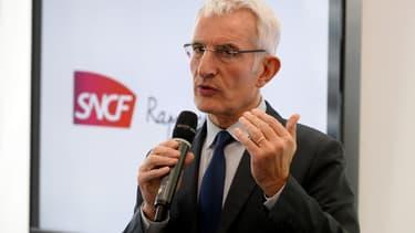 """La direction de la SNCF """"ne prévoit aucune modification des bénéficiaires actuels des facilités de circulation délivrées aux cheminots et à leurs ayants droit""""."""