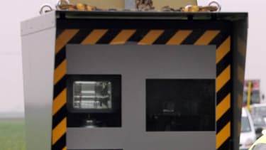800 automobilistes ont été flashés entre le 16 août, 15h55 et le 17 août, 11 heures, car un radar n'a pas été recalibré à la bonne limitation de vitesse à la fin d'un chantier.