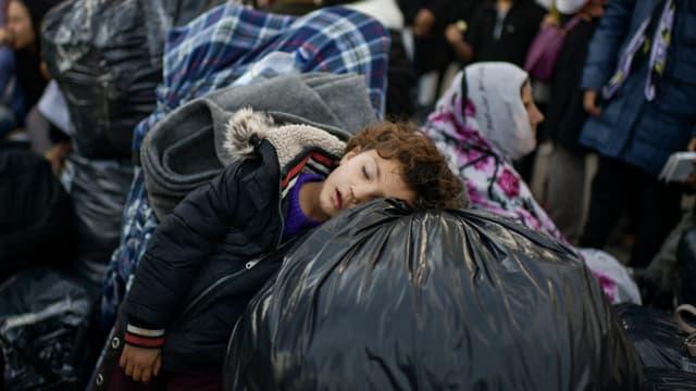 Un enfant dans le camp de Moria à Lesbos, en Grèce, le 29 novembre 2019