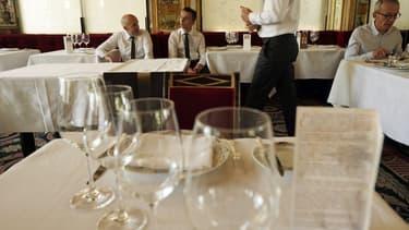 """Plus de 3.000 restaurants """"clandestins"""" s'affranchissent des questions de fiscalité et de réglementation en France, selon le Synhorcat,"""