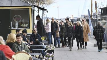 Photo prise le 19 avril à Stockholm, où bars et restaurants sont encore ouverts