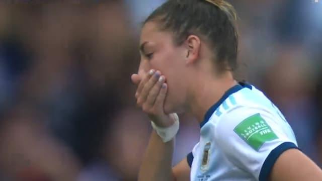 Une joueuse de l'Argentine perd une dent