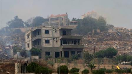 A Adaïsseh, près de la frontière israélienne. Deux soldats libanais ont été tués et cinq autres ont été blessés dans une attaque israélienne contre un poste de l'armée près de ce village du Sud-Liban. /Photo prise le 3 août 2010/REUTERS/Karamallah Daher
