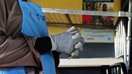 Une infirmière ougandaise, chargée de soigner des patients atteints d'Ebola (illustration)