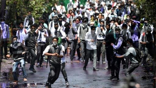 Une manifestation étudiante au Cachemire indien, le 24 avril 2017 à Srinagar où la police a ouvert le feu