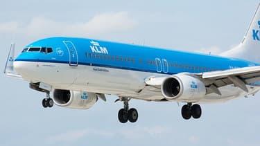 AIR FRANCE -KLM chute après l'entrée de l'Etat néerlandais au capital