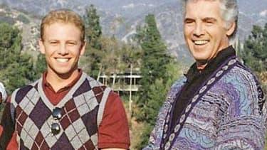 Ian Zeiring et Jed Allan. Ce dernier, qui jouait le père de Steve, est mort à l'âge de 84 ans.