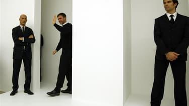 Le styliste belge Raf Simons (au centre) a été nommé directeur artistique chez Christian Dior, succédant à John Galliano qui avait été licencié après avoir tenu des propos à caractère antisémite, annonce lundi la maison de couture dans un communiqué. /Pho