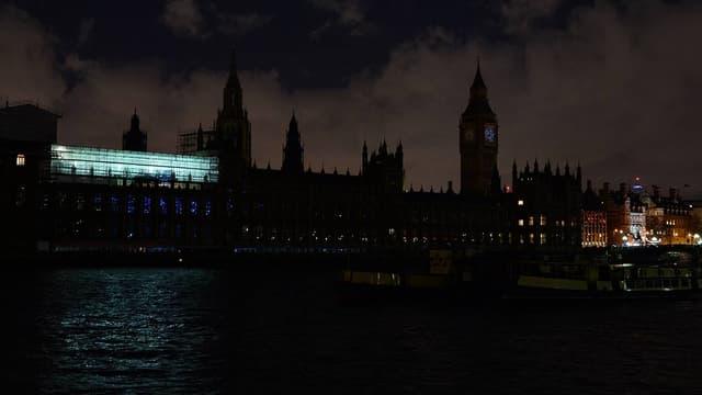 Pendant une heure, ce samedi, la planète va éteindre ses lumières. Comme ici à Londres, en 2015.