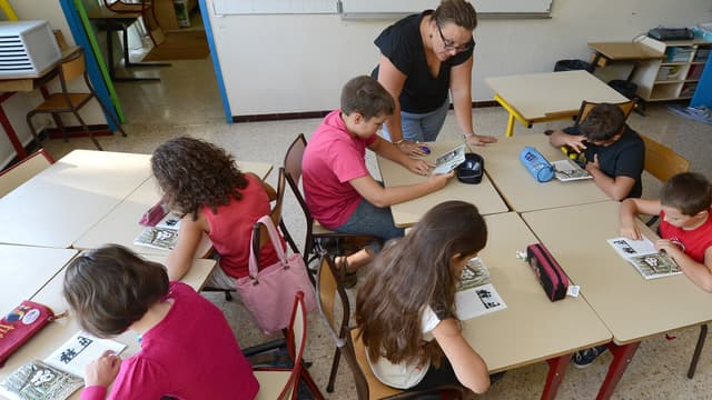 Des enfants à l'école fin août 2012, à Vitrolles. (photo d'illustration)