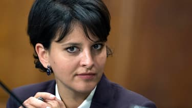 """Najat Vallaud-Belkacem reconnaît des """"défaillances"""" dans les affaires de pédophilie à l'école."""