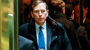 David Petraeus avant son entretien avec Donald Trump à la Trump Tower, le 28 novembre 2016.