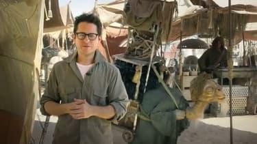 """Le réalisateur J. J. Abrams, sur le tournage de """"Star Wars 7""""."""