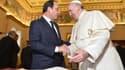 """Le président français et le pape se sont entretenus """"cordialement"""" au Vatican."""