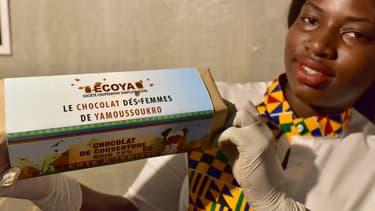 Un jeune chef pâtissier ivoirien a lancé lundi le premier bloc de chocolat fabriqué en Côte d'Ivoire