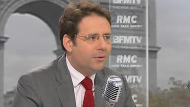 """Invité mercredi matin sur BFMTV et RMC, Matthias Fekl juge la 5e République """"au bout du rouleau""""."""