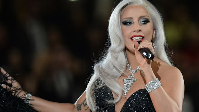 Lady Gaga sur la scène des Grammy Awards en février 2015