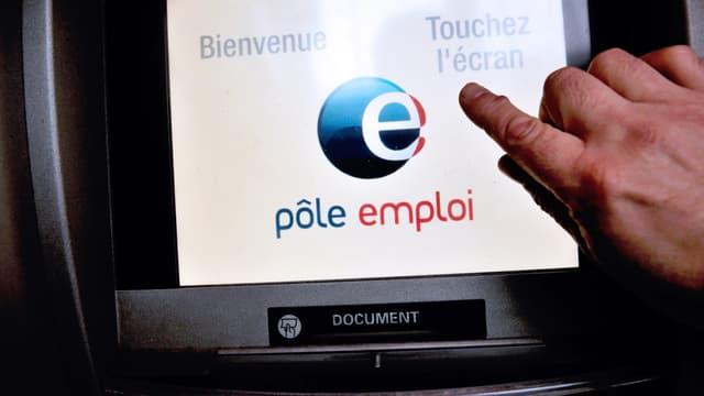 """Le Trésor rappelle qu'en France, contrairement à d'autres pays, """"le revenu de remplacement des demandeurs d'emploi provient principalement des allocations chômage""""."""